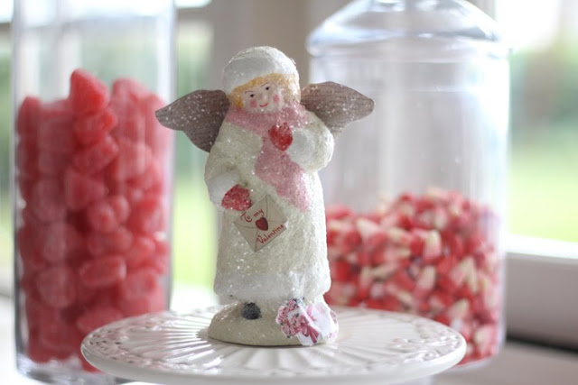 valentines-day-decor-candy-jars-2