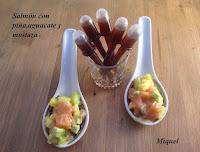 Salmón con piña, aguacate y mostaza
