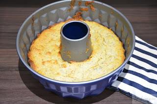 frisch aus dem Ofen Gugelhupf mit Blutorange Chia und Lupinenmehl backen