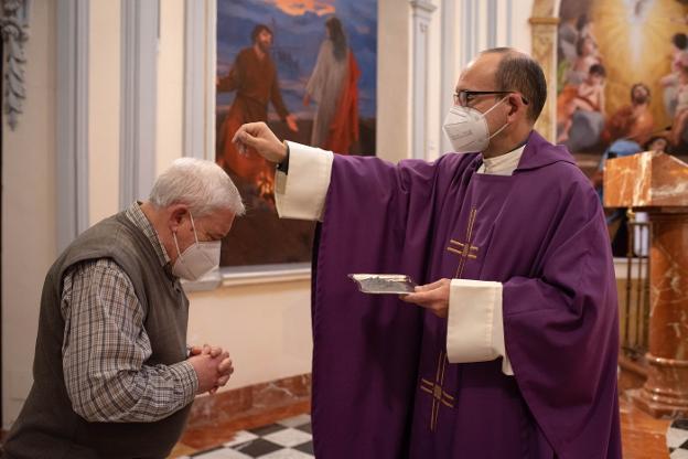 Cristianos celebran el Miercoles de Ceniza