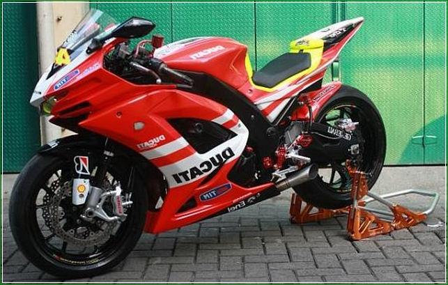 Modipikasi Ala Moge Ducati Desmodisi - Contoh Gambar Dan Foto Konsep Desain Modifikasi Kawasaki Ninja 4 Tak 250cc Sporti Ala Moge Keren Banget