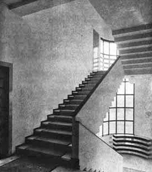 le blog des amis de la villa cavrois l 39 escalier principal et l 39 escalier de service. Black Bedroom Furniture Sets. Home Design Ideas