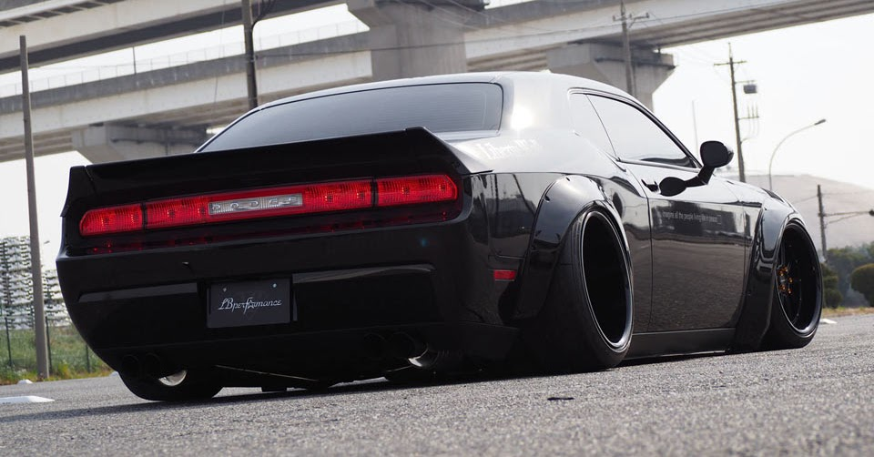 dodge challenger looks even wider with liberty walk conversion. Black Bedroom Furniture Sets. Home Design Ideas