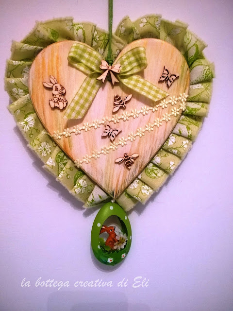 fuoriporta -a-forma-di-cuore-decorazione-pasquale