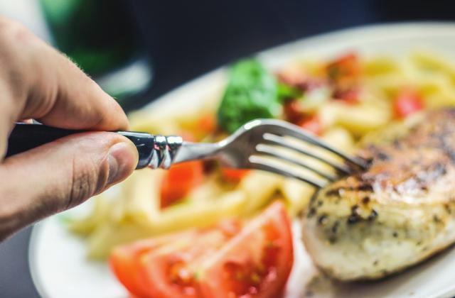 Buka Puasa Pertama, Hindarilah Makanan Ini!