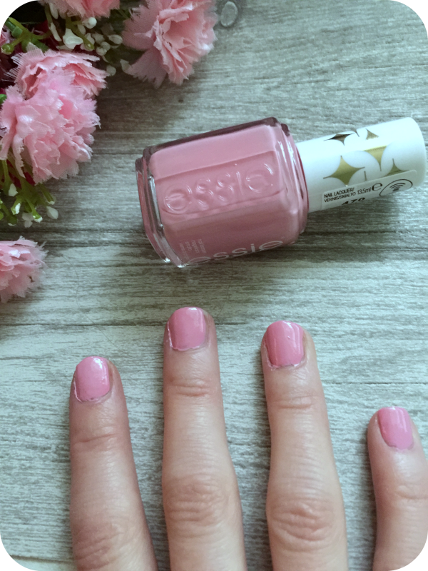 essie nail varnish in flawless