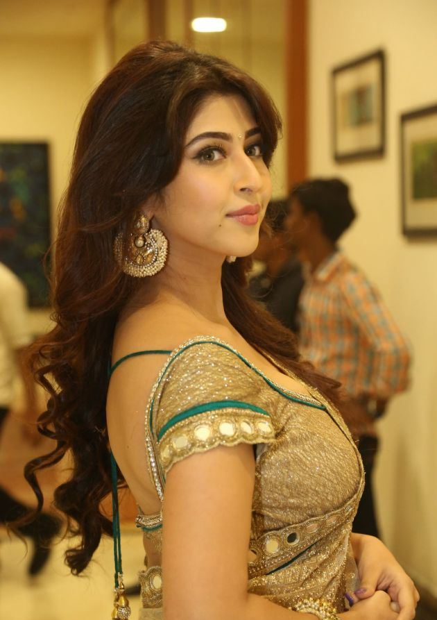 Indian Actress Sonarika Bhadoria Latest Cute & Hot Gallery