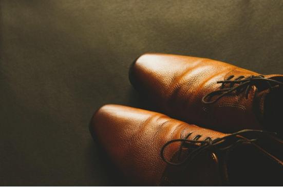 4 tips για να επιλέξετε τα σωστά παπούτσια
