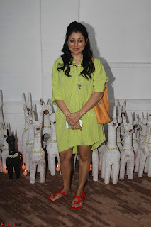 Sonam Kapoor Soha Ali Khan Konkona Sharma at Raw Mango store launch March 2017 051.JPG