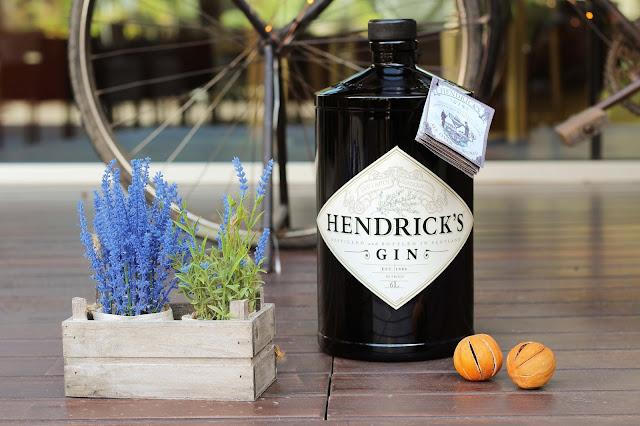 gin,gin-pub,le-pouvoyeur,montreal,hendricks,madamegin,blog