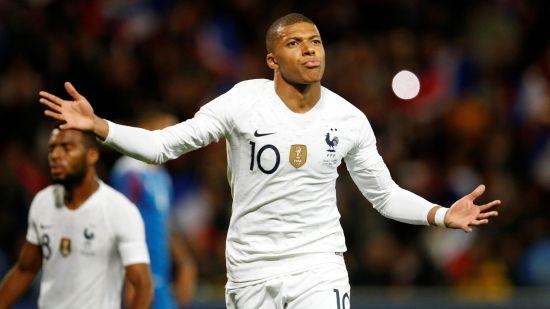 France Mbappe scores against Iceland