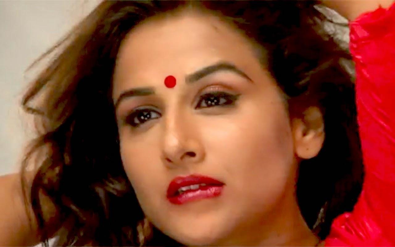 Hot Sexy Pictures Of Vidya Balan