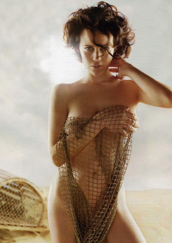 Carla Gugino desnuda