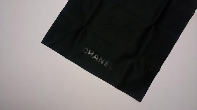 ściereczka do czyszczenia okularów marki Chanel