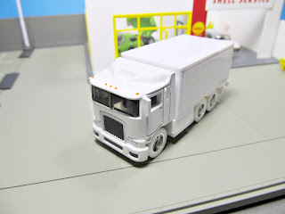 Hot Wheels  the Beatles White Album Hiway Hauler