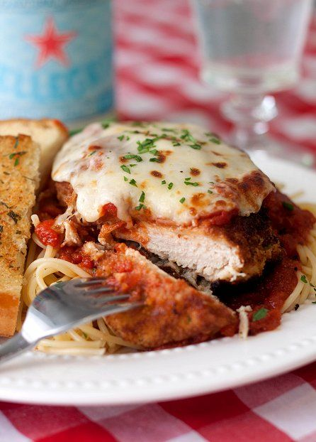 Chicken Parmesan #recipes #thingstocookforsupper #food #foodporn #healthy #yummy #instafood #foodie #delicious #dinner #breakfast #dessert #yum #lunch #vegan #cake #eatclean #homemade #diet #healthyfood #cleaneating #foodstagram