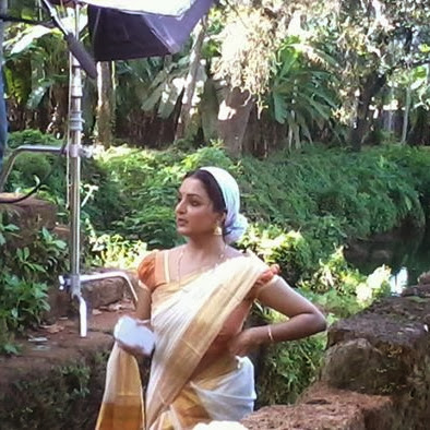 Manju Warrier latest hot photos in saree