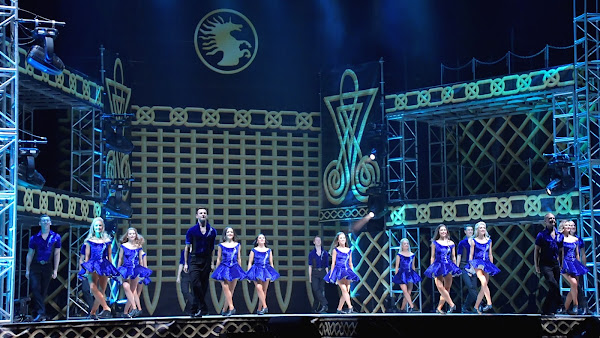 《火焰之舞》襲捲彰化 百位舞者驚豔全場