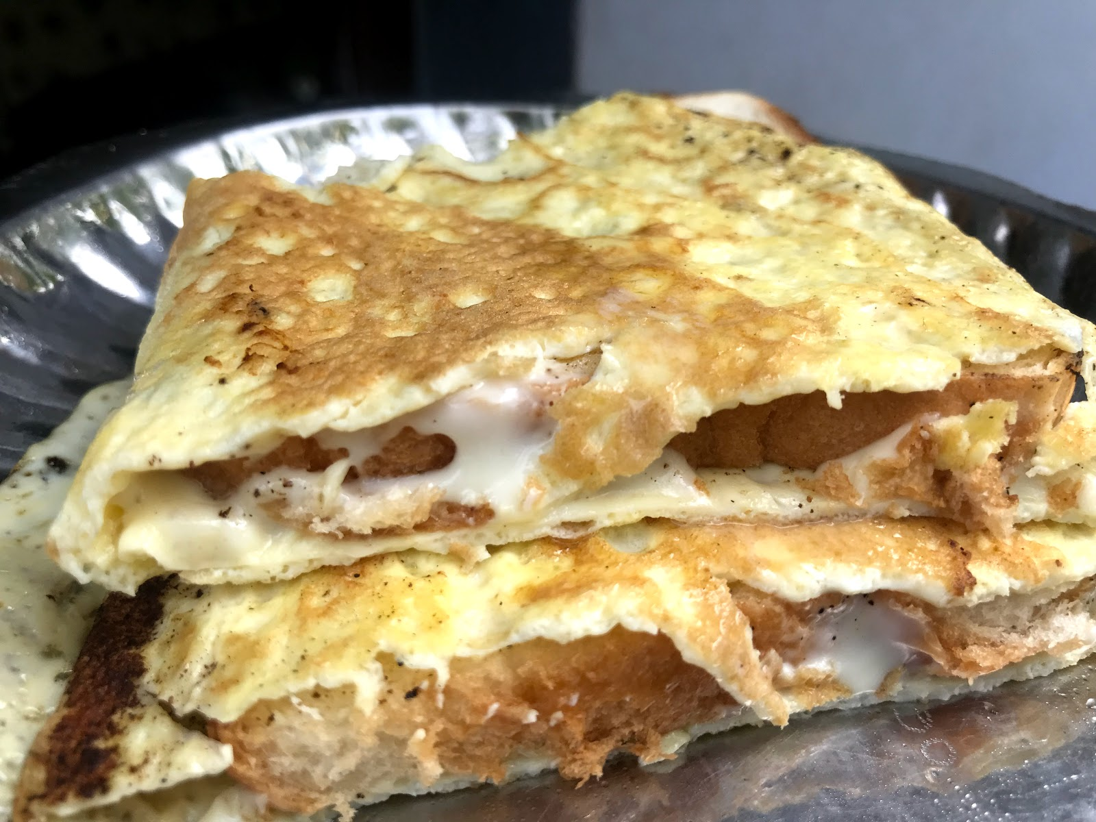 https://www.shobiskitchen.com/2019/08/cheesy-bread-omlette.html