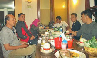 Alumni STIKI 88 DI Ayam Goreng Tenes Malang 1