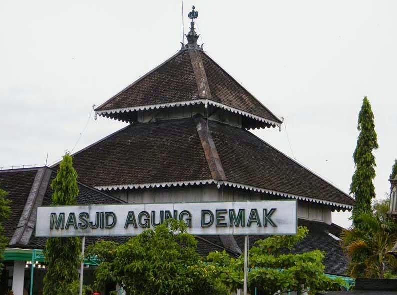 Sejarah Bangunan Masjid Agung Demak - Cerita Sejarah
