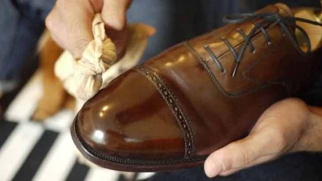 Sepatu Democrata