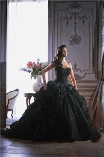 http://milartesmujer.blogspot.com/2014/11/vestidos-de-novia-diferentes.html