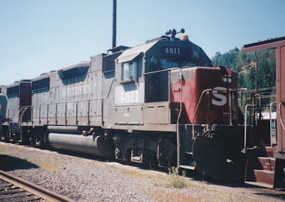 Southern Pacific GP38-2 #4812 in Oakridge, Oregon, on July 18, 1997