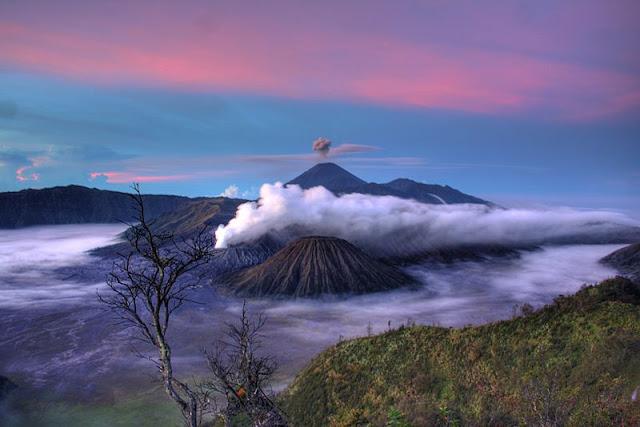 Daftar Gunung Tertinggi di Indonesia