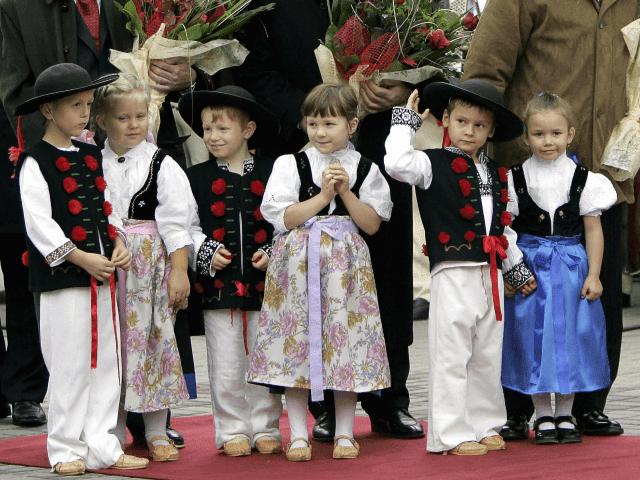 Lietuvos demografinė katastrofa ir veiksminga Vengrijos gimstamumo skatinimo politika