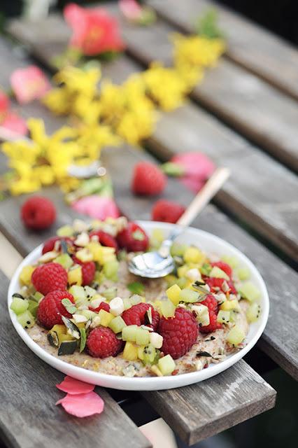 Et si on mangeait des miam Ô fruits juste parce que c'est bon? Mon miam Ô fruits framboise kiwi et ananas...