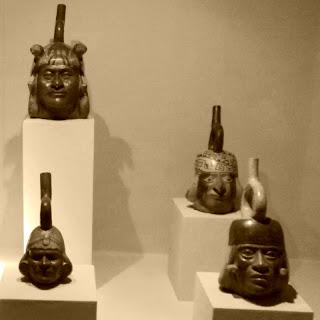 Museo de Arqueología de Lima - Cerâmica Retratos