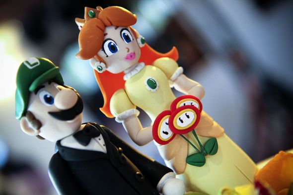 28 Strange Wedding Cake Toppers Now That S Nifty