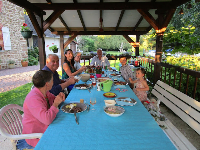 aperatifs, french hospitality,
