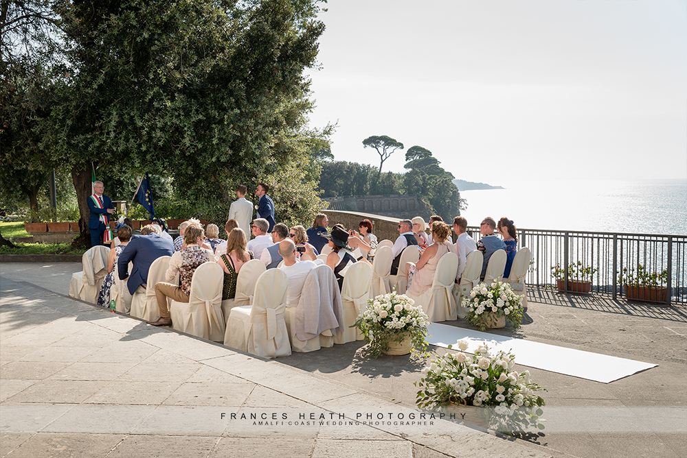 Wedding ceremony at Villa Fondi