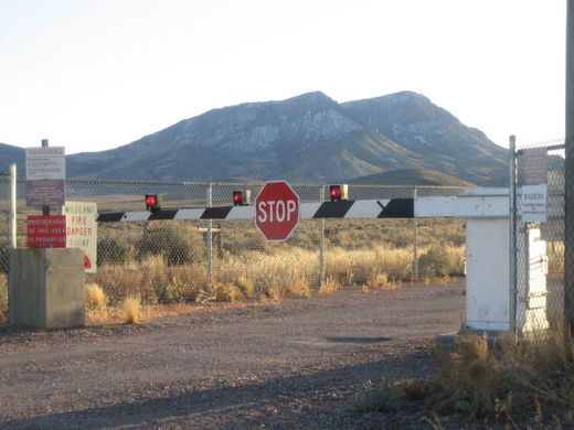 Americans want to invade Area 51 to see Aliens - Each Little