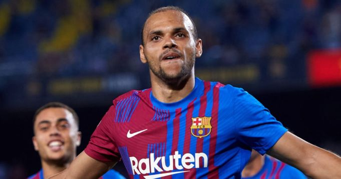 Lord 😎 Braithwaite out of Bayern Munich - Barcelona game due to knee discomfort