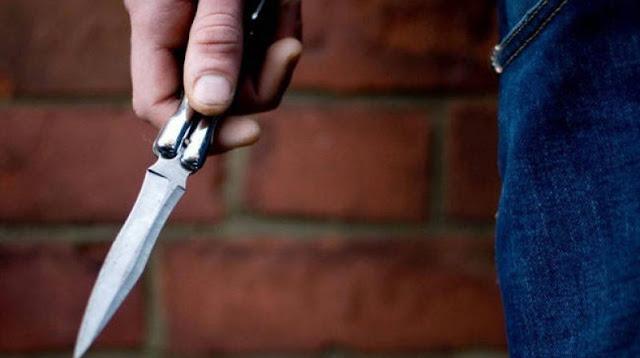 Συνελήφθη, χθες (1.12.2019) το βράδυ, στο Ναύπλιο Αργολίδας, από αστυνομικούς του Αστυνομικού Τμήματος Ναυπλίου, 25χρονος ημεδαπός, γιατί κατείχε μαχαίρι με μήκος λάμας -8- εκατοστών, το οποίο κατασχέθηκε.