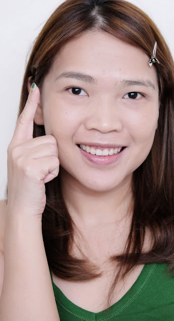 a photo of Pixi Natural Brow Duo Review by Nikki Tiu of www.askmewhats.com