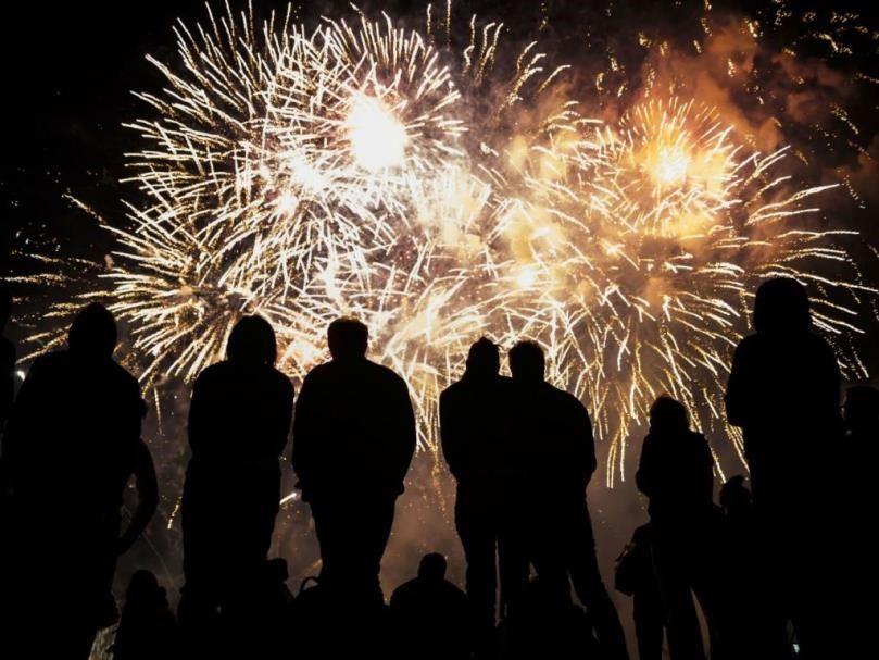 kembang api malam tahun baru