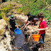Hilangkan Rasa Rindu, Satgas TMMD Ajak Anak-anak Mencari ikan di Sungai