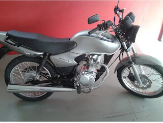 Polícia recupera moto furtada e abandonada no município Cubati
