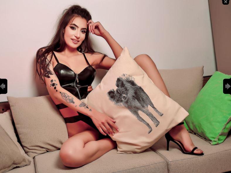 https://pvt.sexy/models/6tce-ninacrystal/?click_hash=85d139ede911451.25793884&type=member