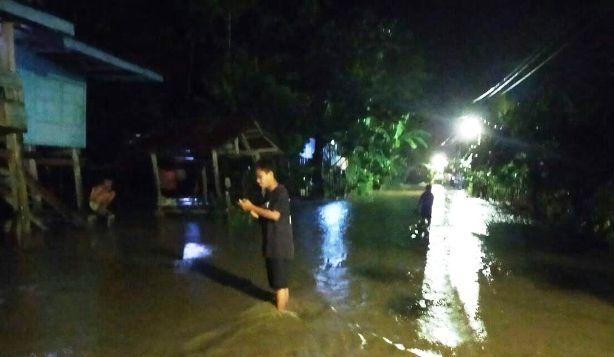 Hujan Terus Mengguyur Bulukumba, Sungai Sapa Kalarao Sudah Meluap
