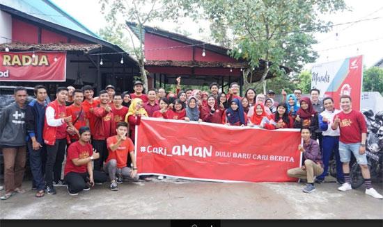 FOTO BERSAMA : Para peserta Kopdar dan Pelantikan Pengurus Komunitas Blogger Pontianak (KBP) 2019 - 2021 dan undangan berfoto bersama menjelang tengah hari. Foto Siti Mustiani