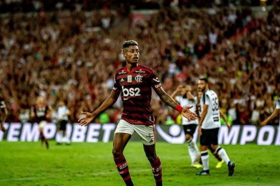 FLAMENGO:  Em clima de festa, Bruno Henrique comanda goleada do Flamengo sobre Ceará.