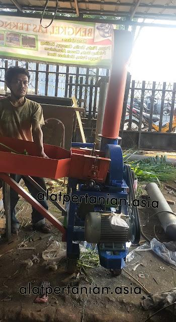 mesin pencacah rumput
