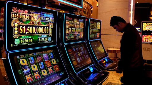 Alasan Permainan Kartu Lebih Baik dari Mesin Slot Online