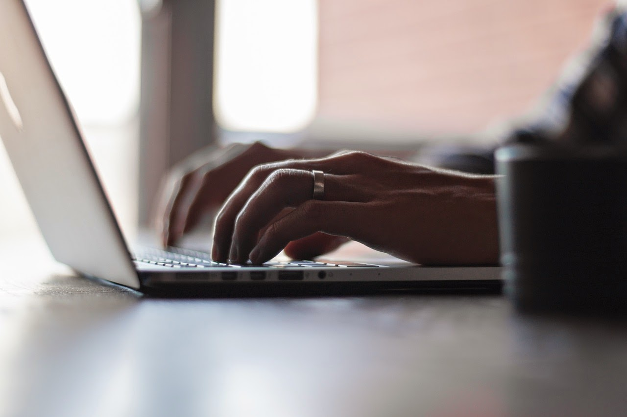 Clique e aprenda a digitar mais rápido e ganhe mais dinheiro