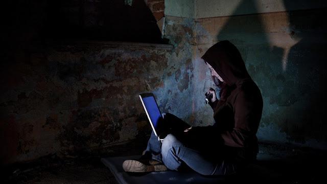 """""""Hackers"""" usan un método """"único"""" que les permite obtener datos de las tarjetas bancarias de usuarios"""